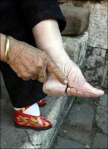Kaki sepatu