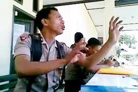 "Download Video ""Polisi Gorontalo Menggila""3gp"